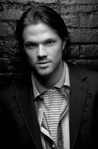 Winchester's Journal 바탕화면 with a business suit and a suit called Unknown Shoot - Jared Padalecki 13