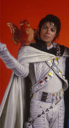 Captain Eo achtergrond probably with a surcoat, a tabard, and an outerwear called ♥:*.*MJJ:*:*♥