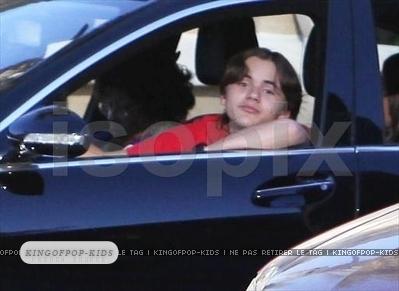 11.02.11 - prince-michael-jackson photo
