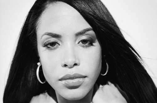 Aaliyah wallpaper with a portrait entitled Aaliyah's photoshoots