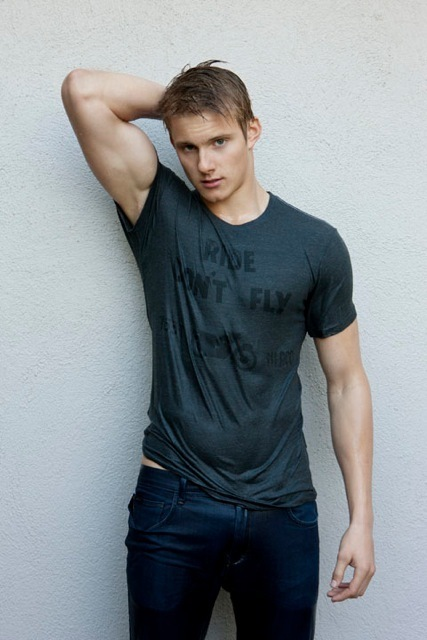 Alexander Ludwig - Photos