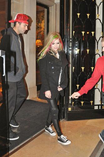 Avril leaving Hotel February 8