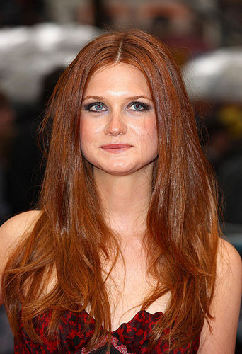 Bonnie Wright wallpaper containing a portrait called Bonnie at the Halfblood Prince premiere