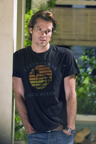 Timothy Olyphant fond d'écran containing a jersey titled Catch and Release Movie Stills