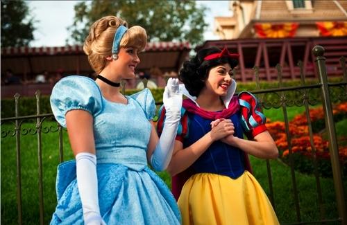 सिंडरेला and Snow White