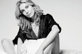Elizabeth Mitchell- Aventura Magazine 2011