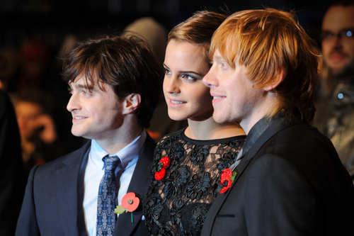 Emma Watson HP 7 Premier pics
