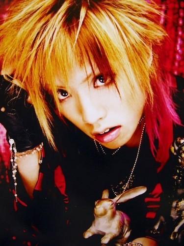 Hiroto (Alice Nine)