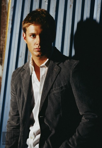 Winchester's Journal wallpaper containing a business suit, a suit, and a well dressed person titled Jensen Ackles - Smallville Promo's