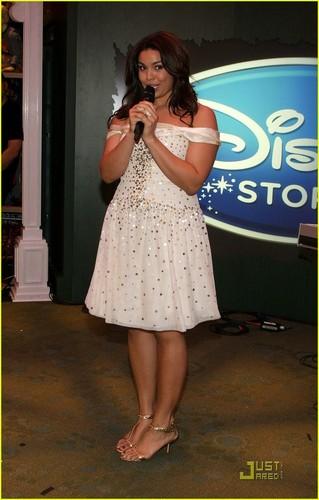 Jordin Sparks Opens Disney Store in Times Square