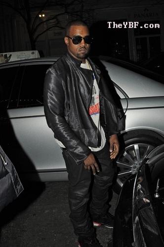 Kanye @ Fashion ipakita