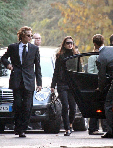 Принцесса Шарлотта Казираги Обои with a business suit titled Laura Sabatini Casiraghi's funeral