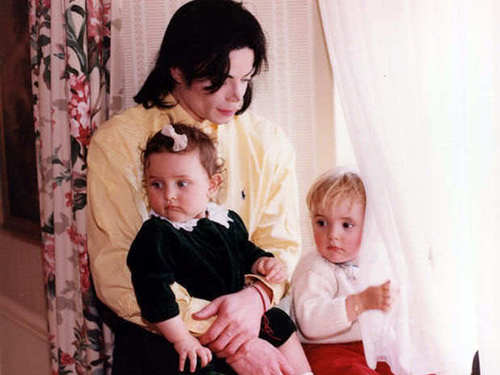 Paris JAckson, with Father and Brother [= <3