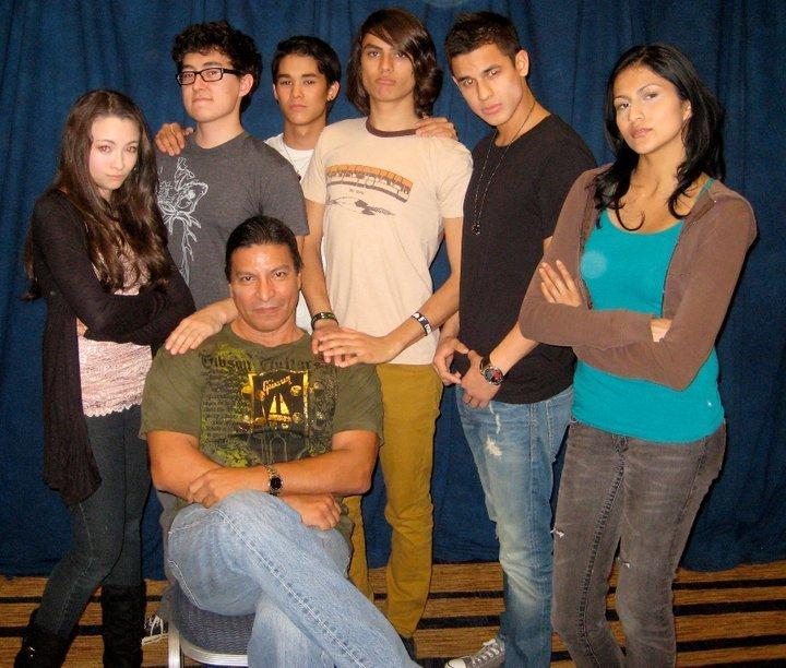 照片 of Gil Birmingham with Cast Members in San Francisco