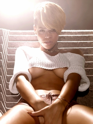Rihanna photoshoot (HQ)
