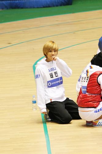 Taemin Recording MBC Idol Athletics Championship New năm Special 110123