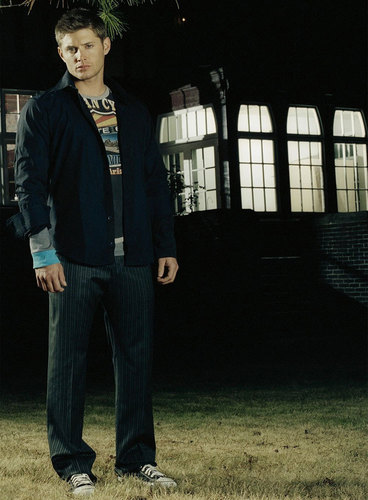 Winchester's Journal fond d'écran with a business suit and a well dressed person called Unknown Shoot - Jensen Ackles 03