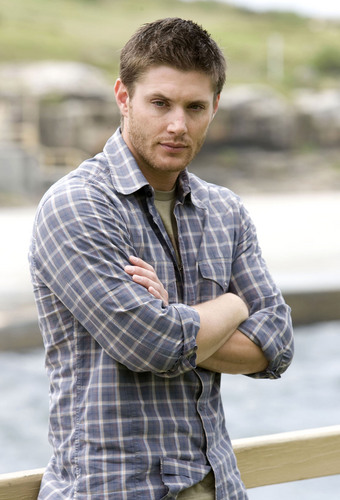 Winchester's Journal karatasi la kupamba ukuta entitled Unknown Shoot - Jensen Ackles 06