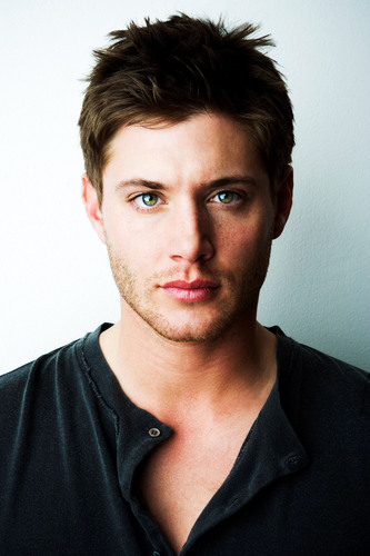 Winchester's Journal দেওয়ালপত্র with a portrait entitled Unknown Shoot - Jensen Ackles 08