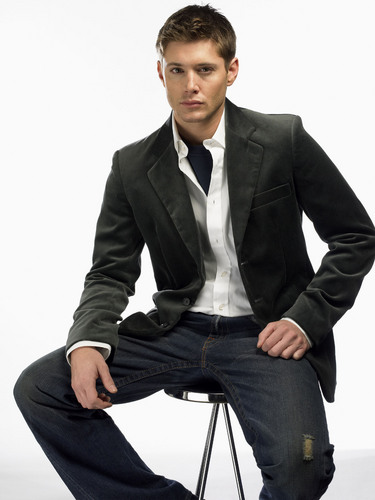 Winchester's Journal wallpaper containing a business suit, a suit, and a well dressed person entitled Unknown Shoot - Jensen Ackles 09