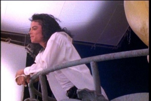 mj black or white behind the scenes