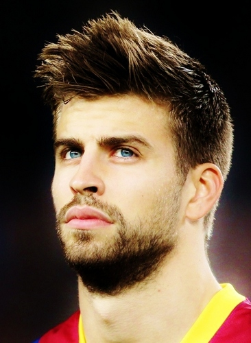 Gerard Piqué wallpaper possibly containing a portrait entitled sexy football !!