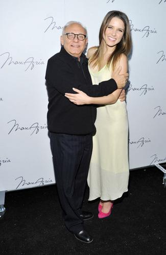 02.13.11 - Mercedes-Benz Fashion Week Fall 2011 - Max Azria