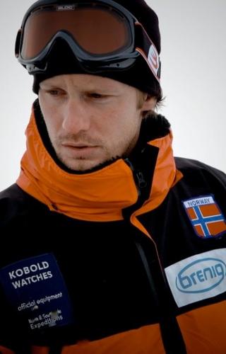 Alexander Skarsgård in Beyond the Pole