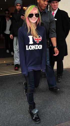 Avril leaving the Mayfair hotel in London Feb 16