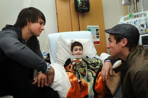 BTR spreads Cheer to Children's Hospital in Boston