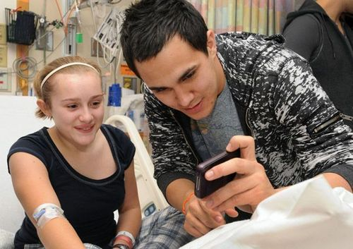 BTR spreads Cheer to Children's Hospital in Boston - big-time-rush Photo