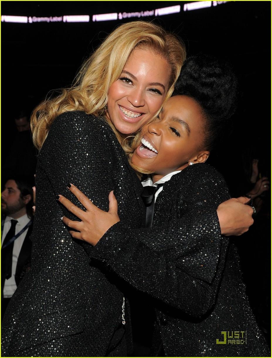 Beyonce & Gwyneth Paltrow - Grammys 2011!