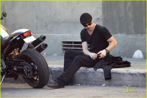 Brad Pitt: Cigarette & Bike Break