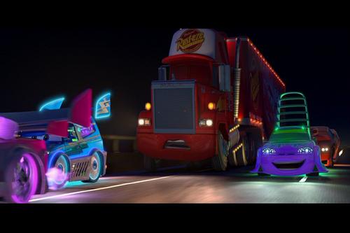 Disney Pixar Cars karatasi la kupamba ukuta titled Cars