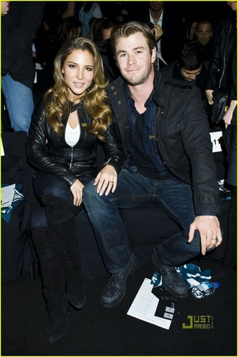 Chris Hemsworth: G-Star Show with Jared Leto!
