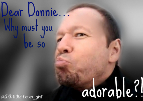 Donnie Wahlberg Hintergrund with a portrait titled Donnie <3