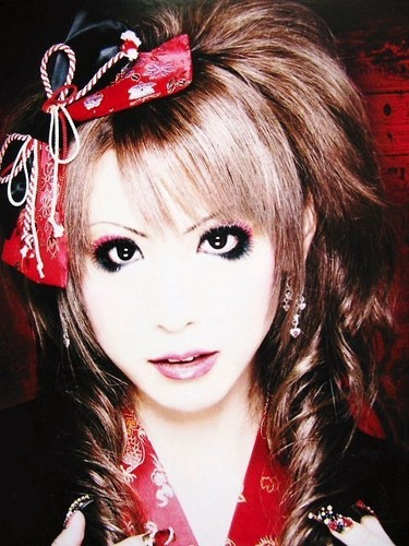 Jrock wallpaper possibly containing a portrait called Hizaki (Versailles)