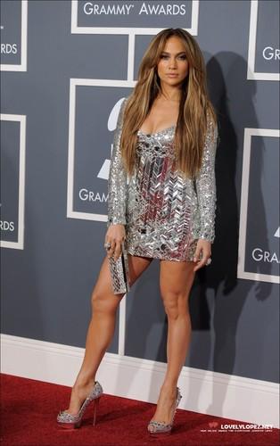 Jennifer @ The 53rd Annual GRAMMY Awards - Arrivals