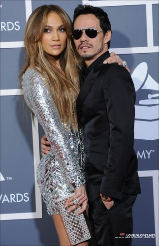 Jennifer @ The 53rd Annual GRAMMY Awards - Arrivals