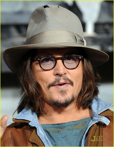 Johnny Depp: 'Rango' Premiere with Isla Fisher!