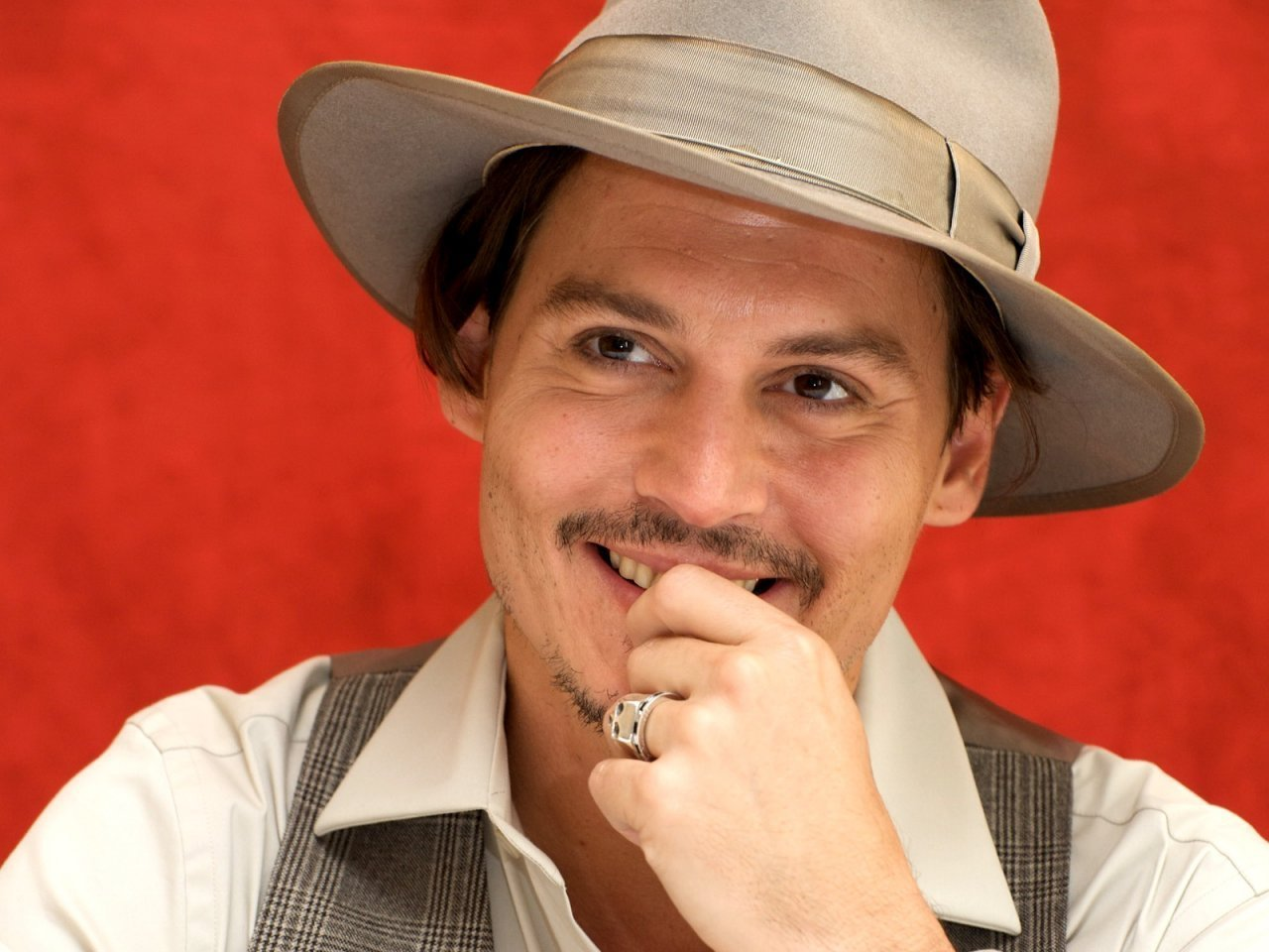 Johnny Depp - Johnny Depp Wallpaper (19373289) - Fanpop Johnny Depp/newspaper Articles