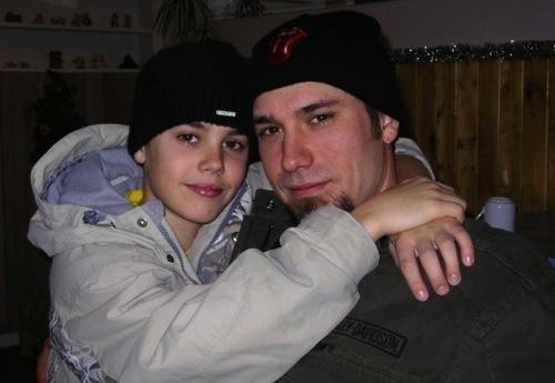 Justin RARES:))