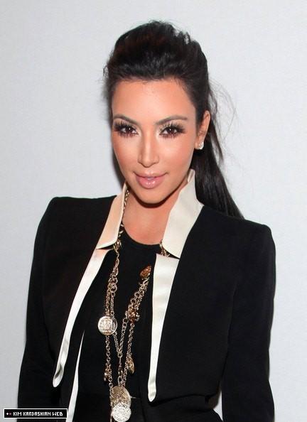 kim kardashian 2011 pics. kim kardashian 2011 fashion.