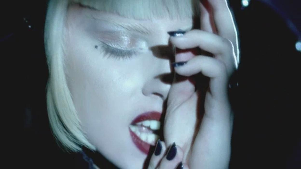 Lady Gaga - Alejandro música Video - Screencaps
