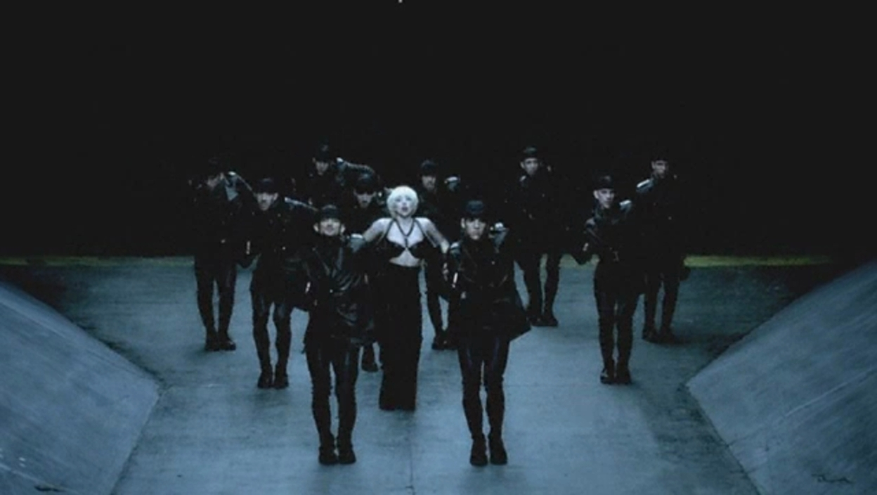 Lady Gaga - Alejandro 音乐 Video - Screencaps