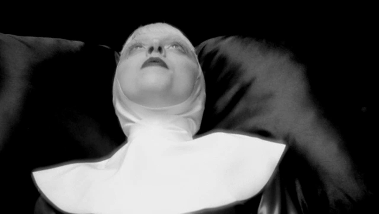 Lady Gaga - Alejandro âm nhạc Video - Screencaps