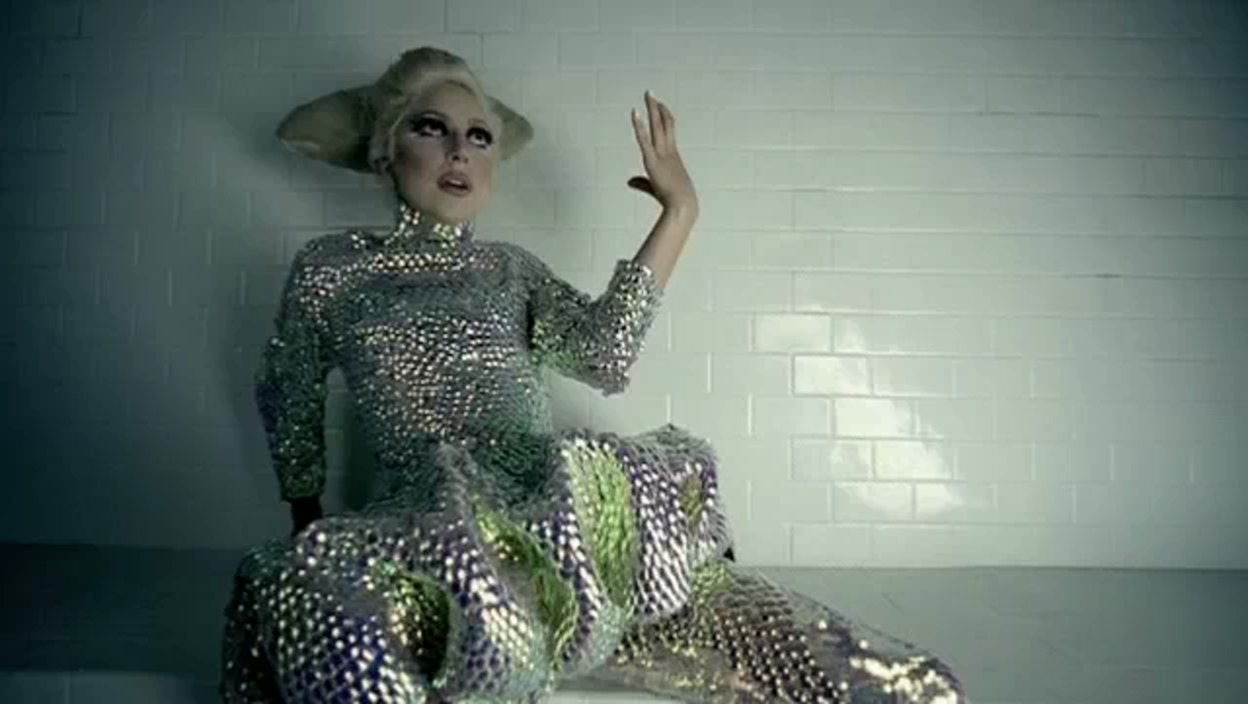 lady gaga bad romance album - photo #27