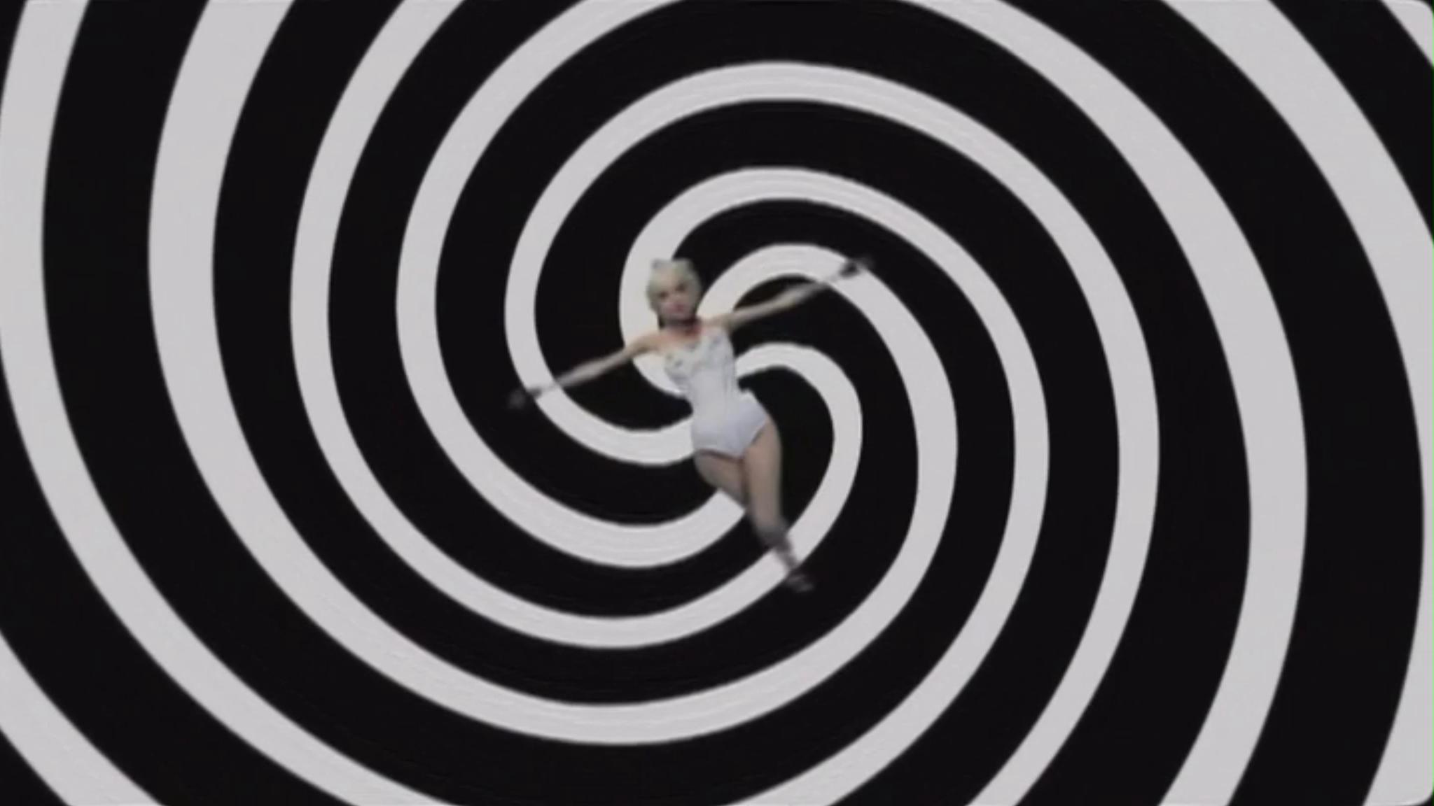 Lady Gaga - Paparazzi 音楽 Video - Screencaps