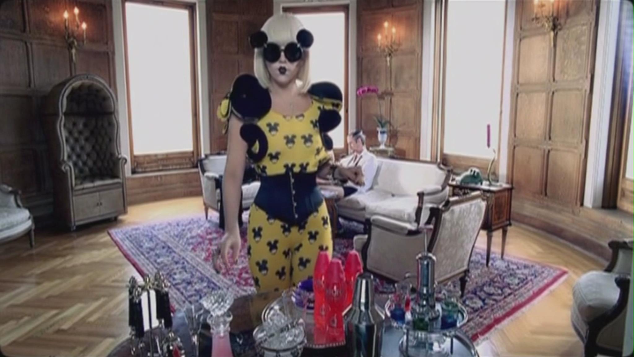 Lady Gaga - Paparazzi muziek Video - Screencaps