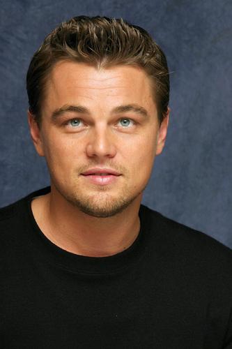 Leonardo DiCaprio wallpaper containing a jersey entitled Leonardo Dicaprio